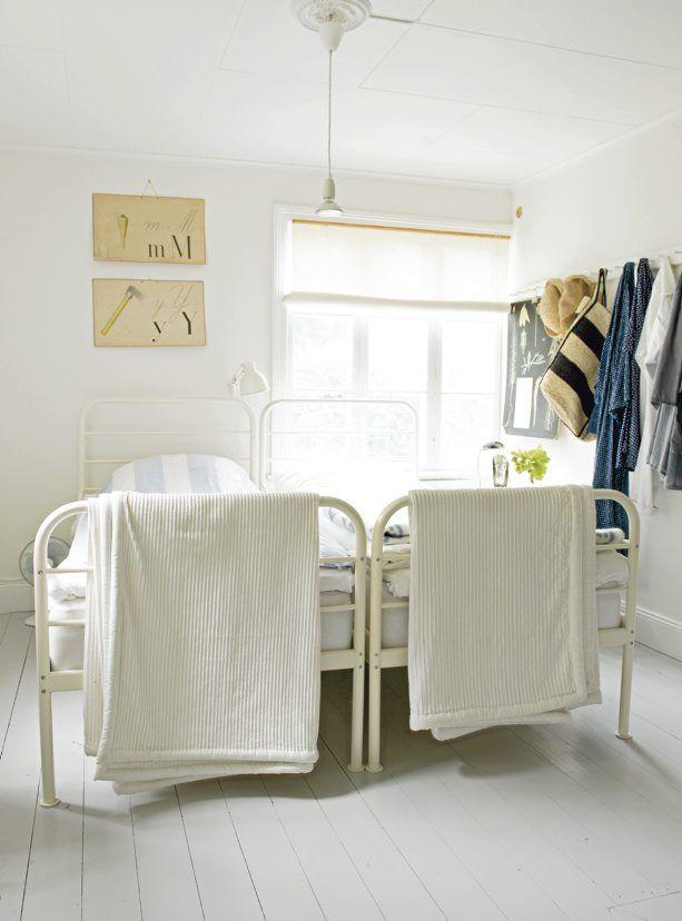 maison de vacances de Synnöve Mork, designer et styliste suédoise, située sur Gotlanddans le Gotland, source Lantliv / photo Katarina Grip Höök