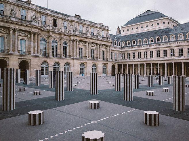 Colonnes de Buren, Palais Royal