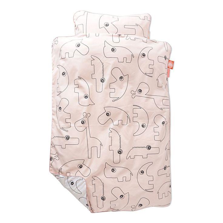 Contour sengetøj. Lukkes med skjult lynlås. 100% bomuld  Maskinvaskes ved 60 grader