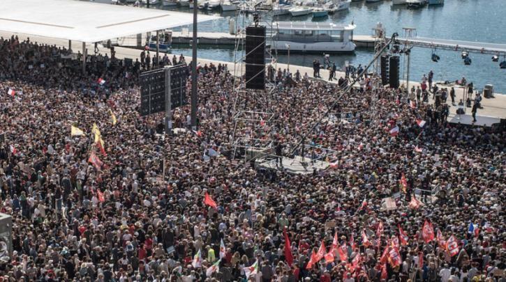 Mε δυναμική 2ου γύρου ο Μελανσόν, 70.000 άνθρωποι παρακολούθησαν ομιλία του στη Μασσαλία - Τι είπε για τους Έλληνες :: left.gr