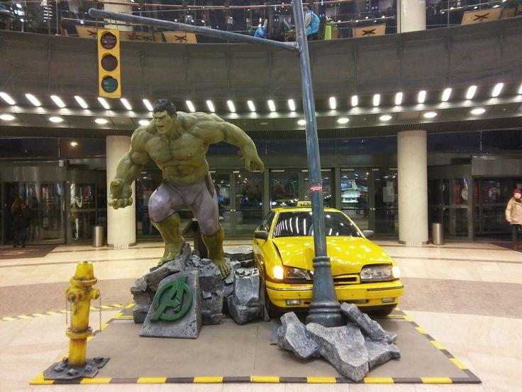 """Z wystawy """"Superbohaterowie"""" z komiksów Marvel'a w Cuprum Arenie. - Niesamowity Hulk"""