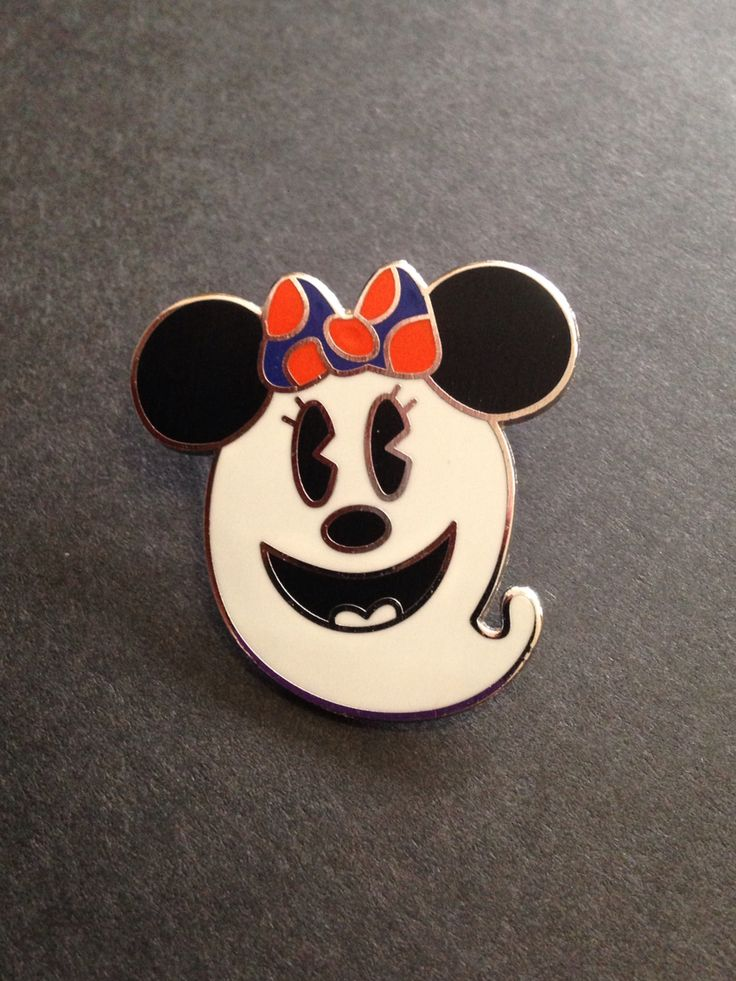 Minnie Mouse as ghost