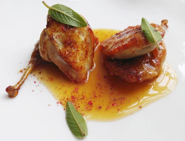 Quaglie glassate al miele, mandarino e pepe rosa: #laricettadellochef Daniel Canzian - Le ricette de La Cucina Italiana