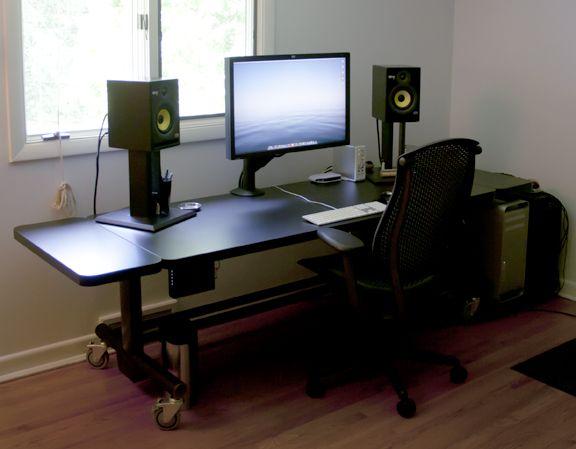 32 best gaming desk images on pinterest computer desks desk ideas and desks. Black Bedroom Furniture Sets. Home Design Ideas