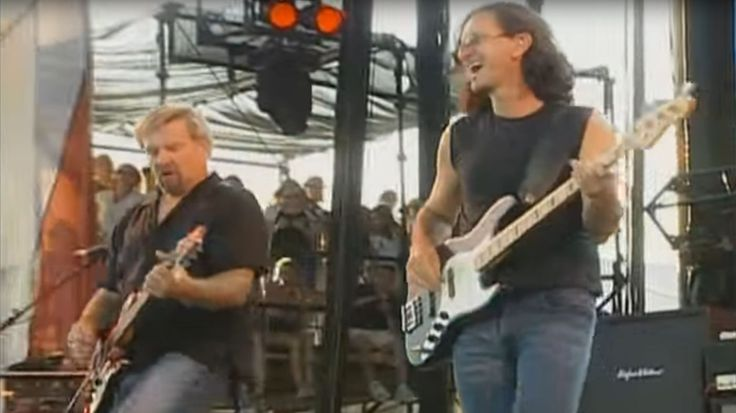 Flashback: Rush Covers 'Paint It Black' At 2003 SARS Concert | Rolling Stone