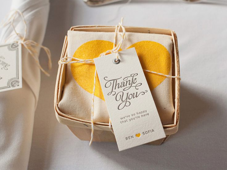 Awesome wedding favor: screen-printed bags. Ben & Sofia Wedding | Studio On Fire