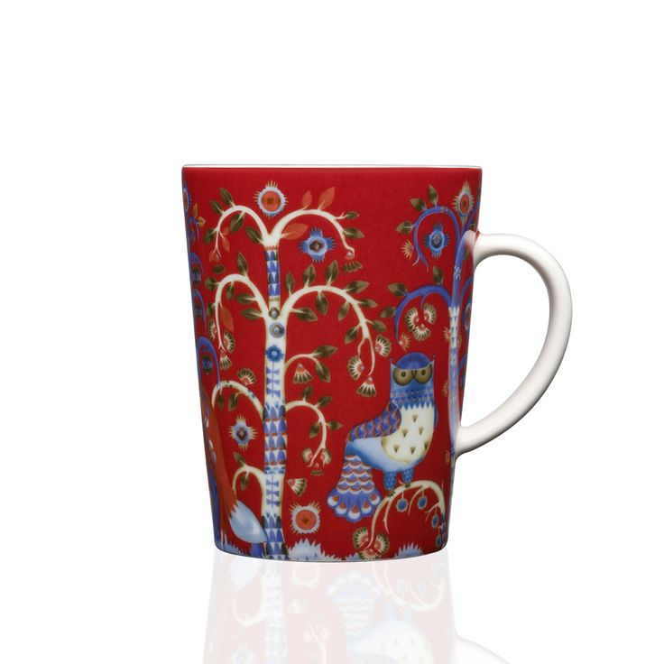 Enjoy a cup of coffee or a hot chocolate in the Taika mug. With a sleek handle, this piece is just the perfect size for whatever you fancy. The red backdrop blends perfectly with other iittala collections, making this piece perfect for adding a splash of excitement to your place setting. Or, mix and match with other Taika pieces for a striking and awe-inspiring place setting. Freezer, microwave, oven and dishwasher safe.
