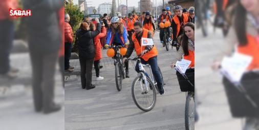 Kadına yönelik şiddetin son bulması için pedal çevirdiler : Eskişehirde Kadına ve kız çocuklarına yönelik şiddetin son bulması için pedal çevirme etkinliği düzenlendi.  http://www.haberdex.com/magazin/Kadina-yonelik-siddetin-son-bulmasi-icin-pedal-cevirdiler/110098?kaynak=feed #Magazin   #Kadına #bulması #pedal #şiddetin #etkinliği