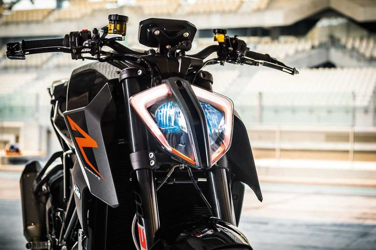 KTM's 1290 Super Duke R Packs More Punch for 2017