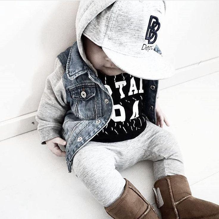 """INSPIRATION FOR BOYS - på Instagram: """"{ c o o l d u d e } Liten goding i outfit från @hm och @ahlens Jeansjackan var en av förra vårens hetaste plagg. Tipsar på att vi kommer se den mycket även denna våren. #hm #hmkids #åhlens #åhlenskids #inspoforminibyifp #barnkläder #pojkkläder #flickkläder #barninspo #barnklädesinspo #barnmode #kidsfashion #barnoutfit #kidsoutfit #fashionkidsandbabys #fashionkids #kidsfashion #igkiddies #hipkidfashion #babyswag #temaytterkläder"""