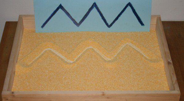 Lavagna di sabbia Montessori - Apprendimento della scrittura