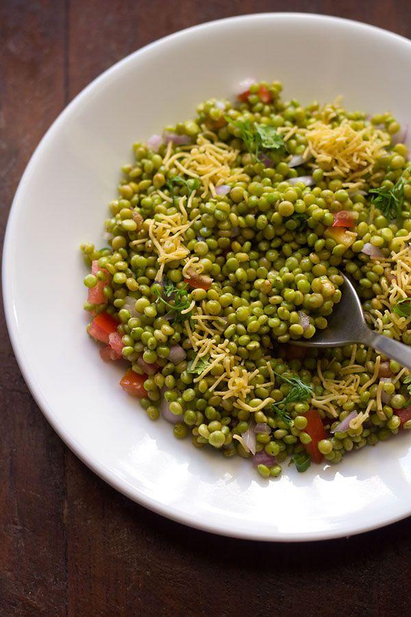 hurda bhel recipe – a savory mixture made with tender jowar or sorghum also known as hurda in marathi language. nutritious, vegan and gluten free snack.  #glutenfree #vegan #bhel #snacks