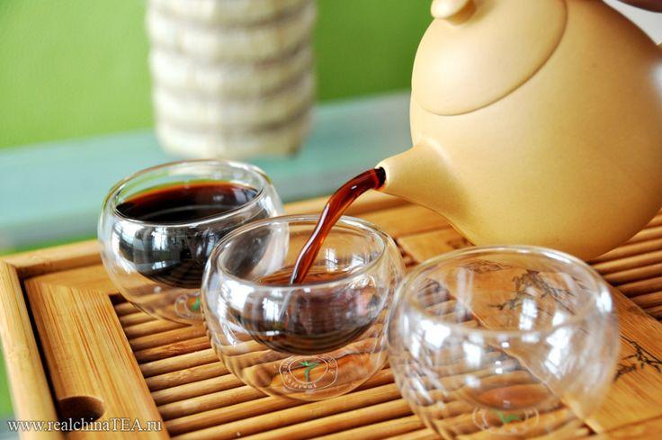 Шу пуэр Yunnan Puer Cha Yuan Cha. 100 граммов. 2011 год. Шоколадный и бархатистый вкус еще долго потом возвращается в послевкусии. Попробуйте. И вы полюбите.