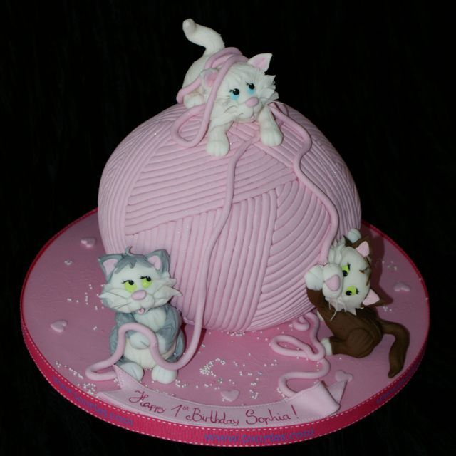 Cake Art Miranda : 37 best images about Kitty cat cakes on Pinterest Kitty ...