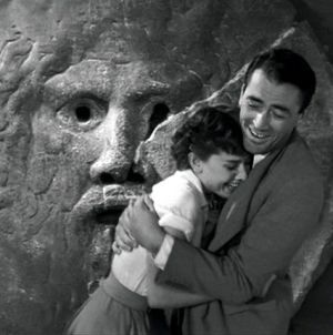La Bocca della Verità (The Mouth of Truth) - Audrey Hepburn & Gregory Peck - Roman Holiday directed by William Wyler (1953)