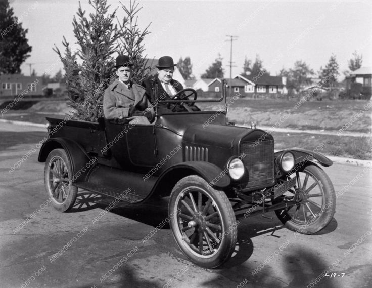 Laurel and Hardy selling Christmas Trees in Big Business silent short 1309-34