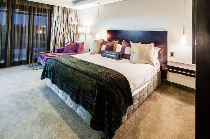 The Fairway Hotel - Luxury Bedroom