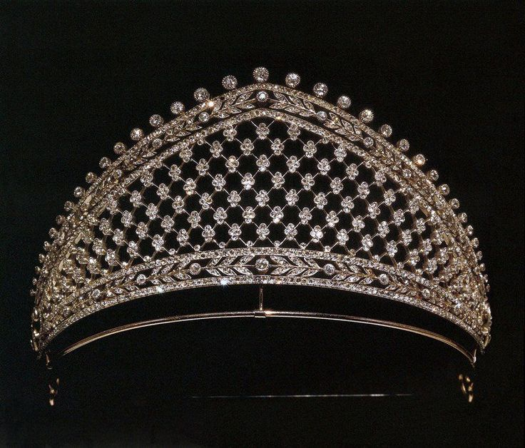 Diamond Tiara by Fabergé, formerly in the collection of the Princes Von Hohenzollern.