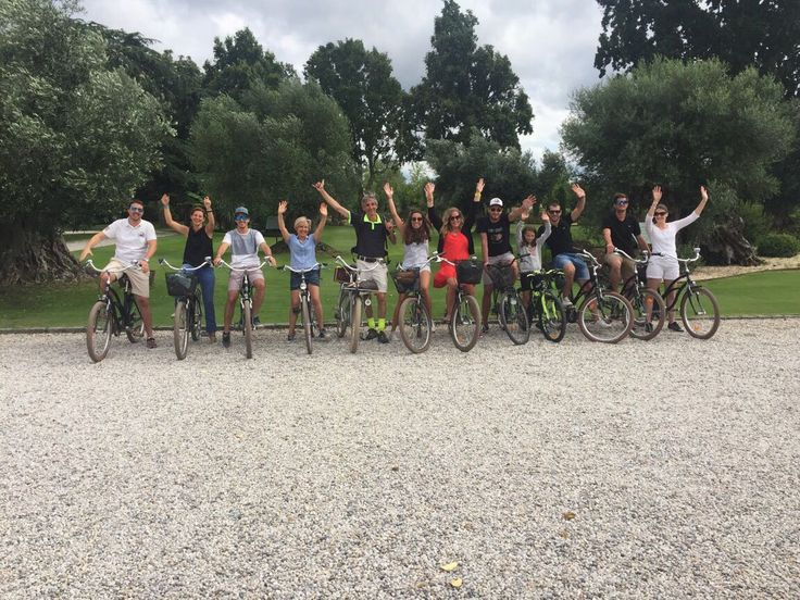 Une belle après midi avec la BNP agence Pessac, au programme sport, détente et bonne humeur... le tout à vélo pour une séance de wine tasting au Château Pape Clément...! #bdxbiketour #winetasting #winelover #ChateauPapeClément #VisitBordeaux