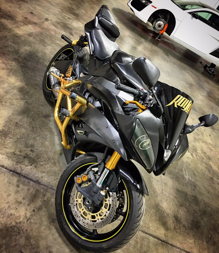 2006 R6 50th Anniversary wrapped in 3M brush black along ...