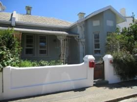 4 Bedroom House for sale in Observatory - Cape Town