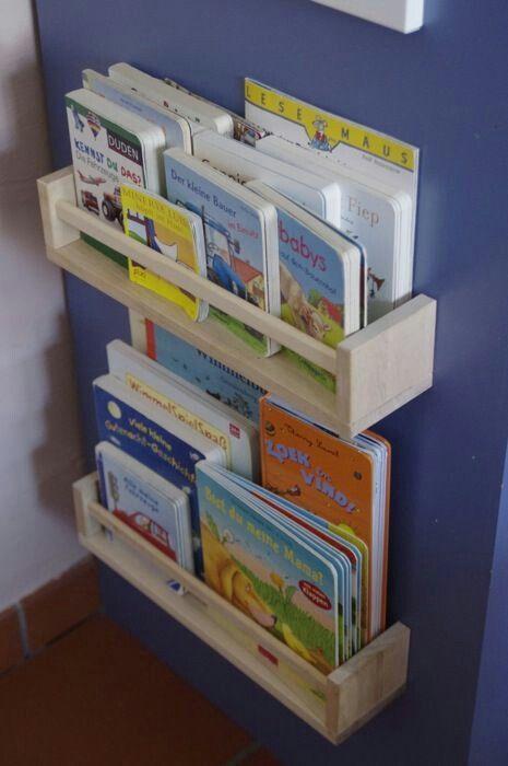 Scaffale libri bimbo