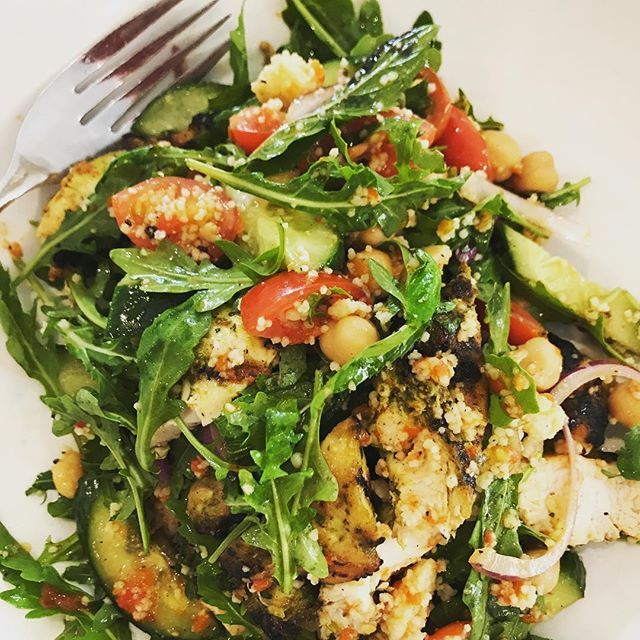 Salad for lunch. Chicken Chermoula with chick peas and rocket  Filling healthy yum  #HealthySalads #LunchOut