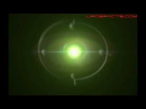 UFOS EM MONTREAL,CANADA - 17/01/2013  Vídeo interessante feito em Montreal, Canada. Durante a filmagem dos objetos, o indivíduo é surpreendido por uma das Orbs, veja o vídeo.   OBS.: Fizemos um Close no Objeto para uma melhor observação.