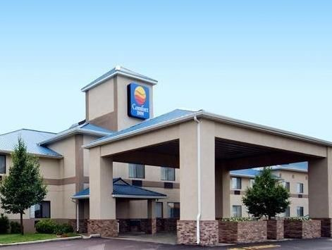 Brandon (SD) Quality Inn Brandon United States, North America Quality Inn Brandon is perfectly located for both business and leisure guests in Brandon (SD). The hotel offers a high standard of service and amenities to suit the individual needs of all travelers. Take advantage of the hotel's 24-hour front desk, Wi-Fi in public areas, car park, business center, pets allowed. Some of the well-appointed guestrooms feature air conditioning, heating, desk, alarm clock, telephone. Ta...