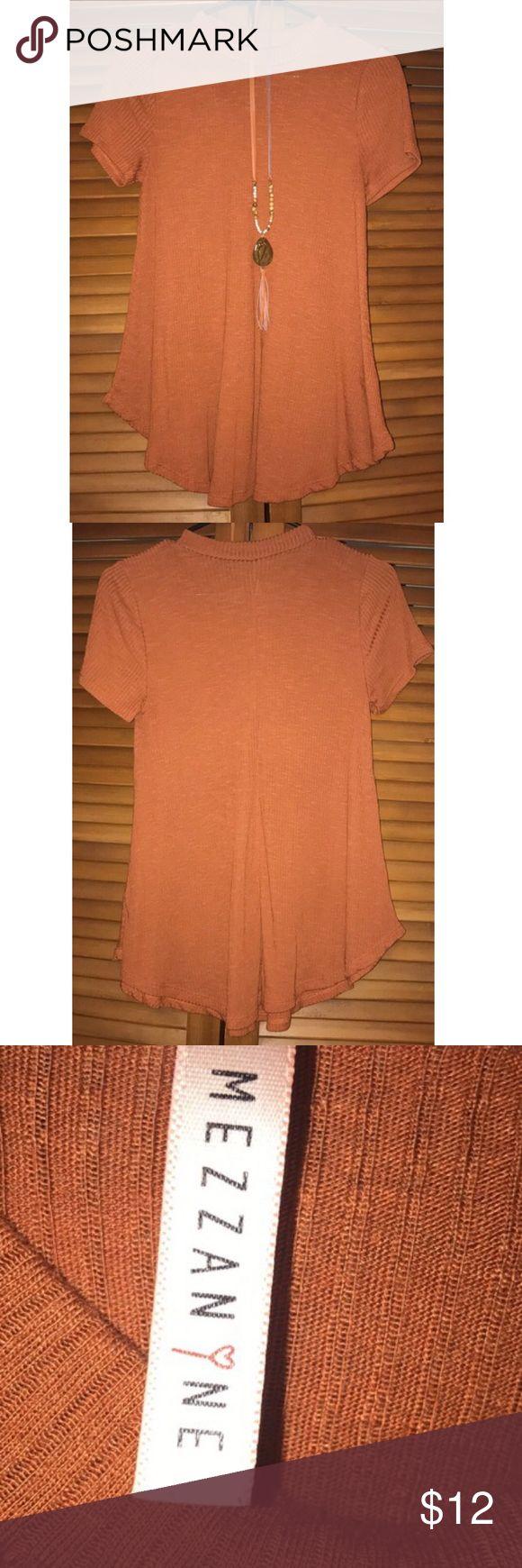 Burnt Orange Top soft burnt orange short sleeve top size small- fits medium easily too Tops Tees - Short Sleeve