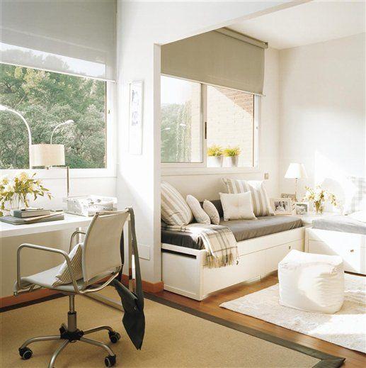 Un espacio donde estudiar  Dormitorio juvenil con zona de estudio. Mobiliario de Pilma Distribucions.