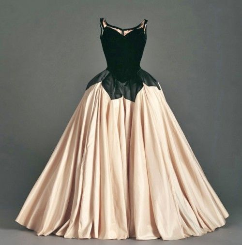 "Charles James – ""Petal"" gown, 1951. The ultimate gown"