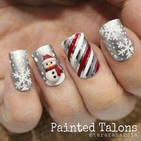 Diseño en plata, rojo y blanco. #navidad #nailart.