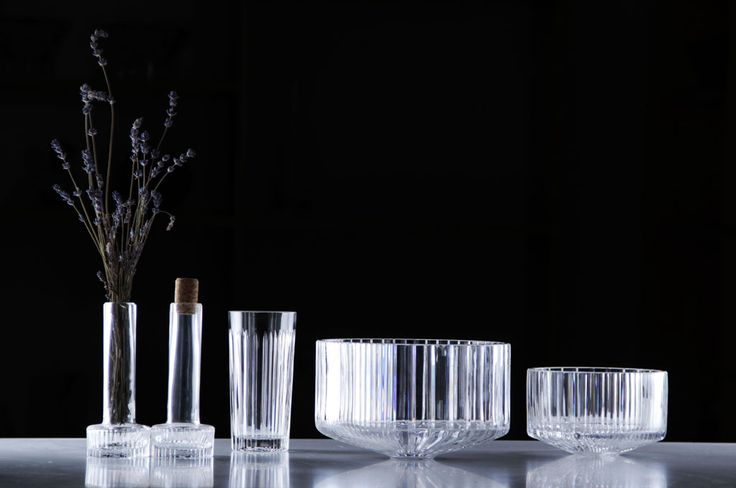 Kolekcja szkła kryształowego METROPOLIS, autor Sebastian Pietkiewicz /  Crystal collection METROPOLIS, designed by Sebastian Pietkiewicz