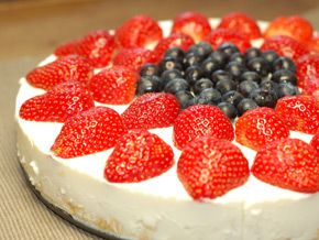 The GI Diet - Sugar Free, Low Fat Pineapple & Berry Cheese Cake