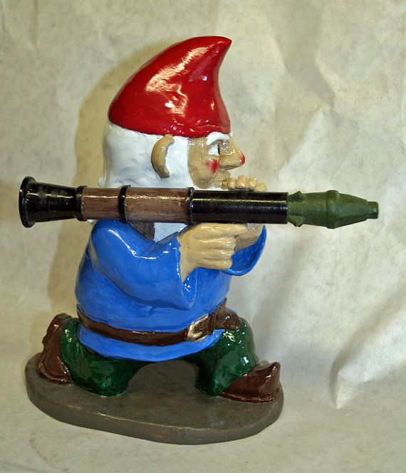 rocket launcher gnome! haha @Dee PipitoneGnomes Land, Rocket Launcher, Garden Gnomes, Gardens Gnomes, Combat Gardens, Combat Gnomes, Launcher Gnomes, Gnomes Totally