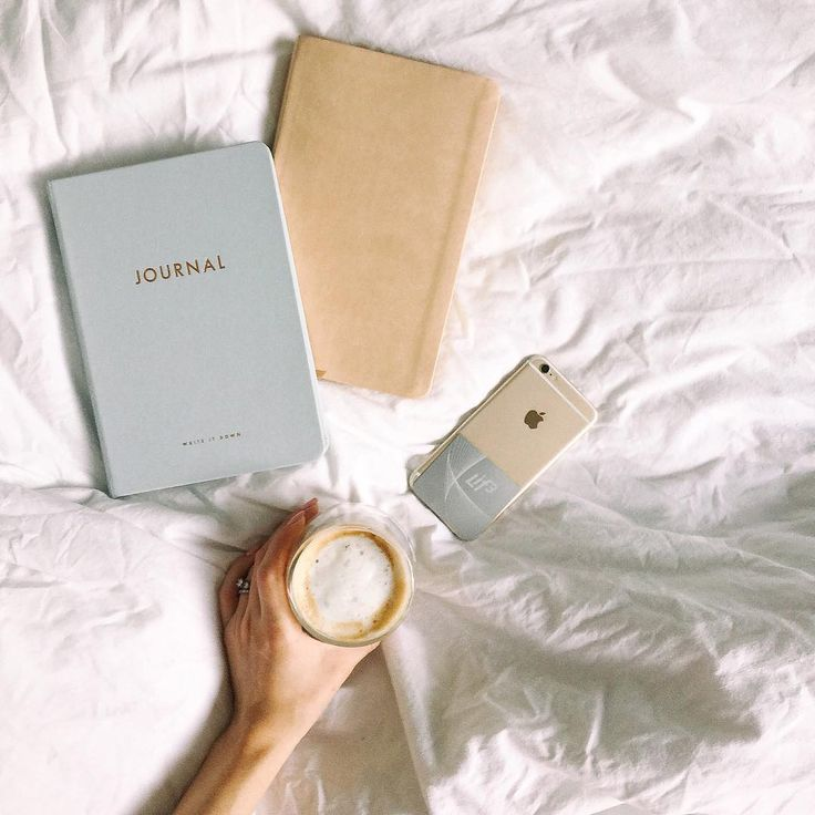 Lifestyle blogger, Elise Hodge checks her phone first thing in the morning. What's the first thing you do when you open your eyes?