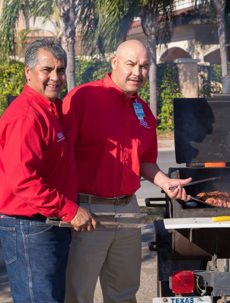 """Cooks Sought for BBQ Cook-Off https://www.valleybusinessreport.com/events/sizzling-in-the-tropics-2017?utm_content=buffere00e4&utm_medium=social&utm_source=pinterest.com&utm_campaign=buffer 35 teams part of """"Sizzling in the Tropics"""" H-E-B and the McAllen Chamber of Commerce are looking for cooking teams to be part of the seventh annual """"Sizzling in the Tropics"""" BBQ Cook-off. Taking place April 21, the event includes 35 cooking teams competing in barbecuing the ribs, brisket, pulled pork…"""