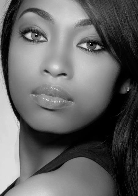 Wow! A Morena Bella in with B & W photo. Beautiful!