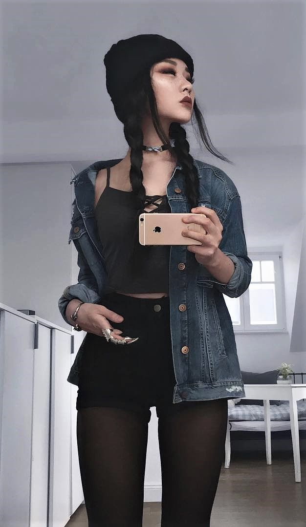Black beanie with choker necklace, lace up ribbed crop top & black shorts by caminimm