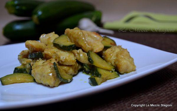 bocconcini di petto di pollo e zucchine