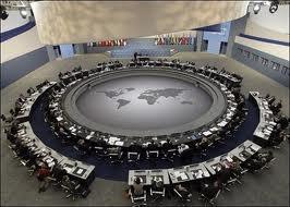 El Gobierno único mundial será elegido por la Asamblea Legislativa Federal de la Confederación de las Naciones Unidas.