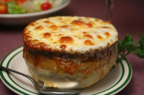 Le Cafe Ile St. Louis Onion Soup Gratinee try you hand at this amazing French Onion Soup