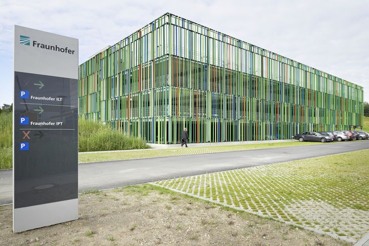 Muliy-storey Car Park / JSWD Architekten