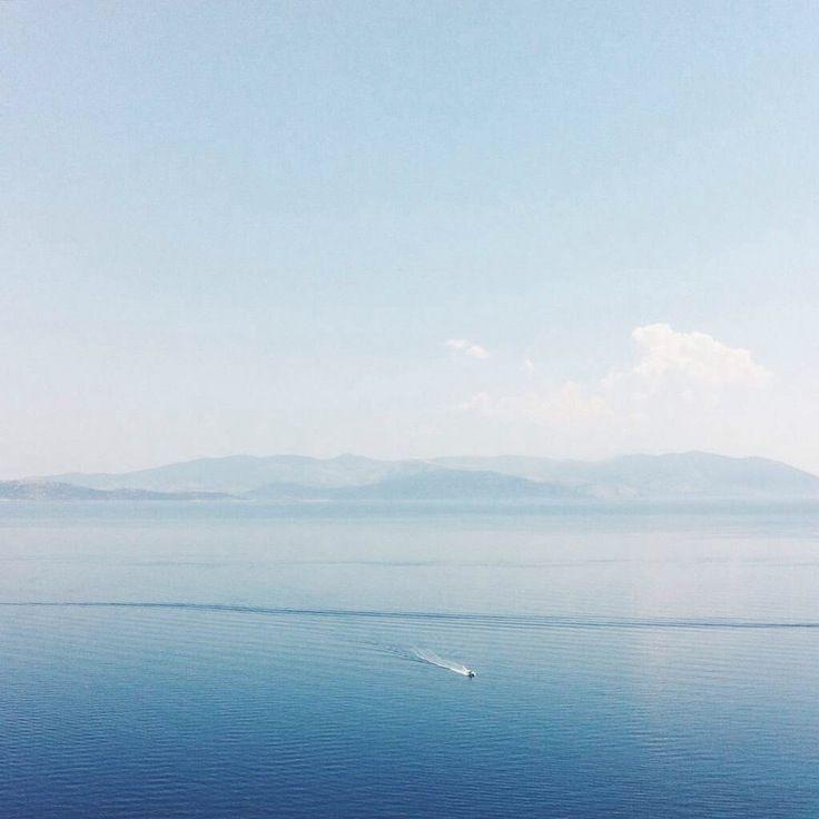 #minimal #blue #horizon