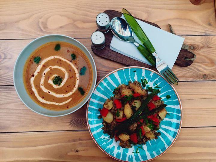 Meniul zilei ( supa crema de legume cu spanac si linte cu cartofi aurii ) http://www.camaracumerinde.ro/