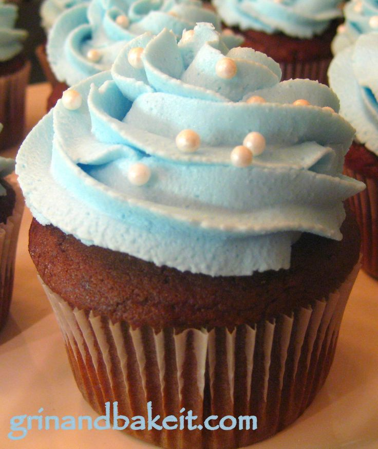 rattle cupcakes baby shower | Baby Shower Cupcakes Ideas http://grinandbakeit.com/baby-blue-cupcakes ...