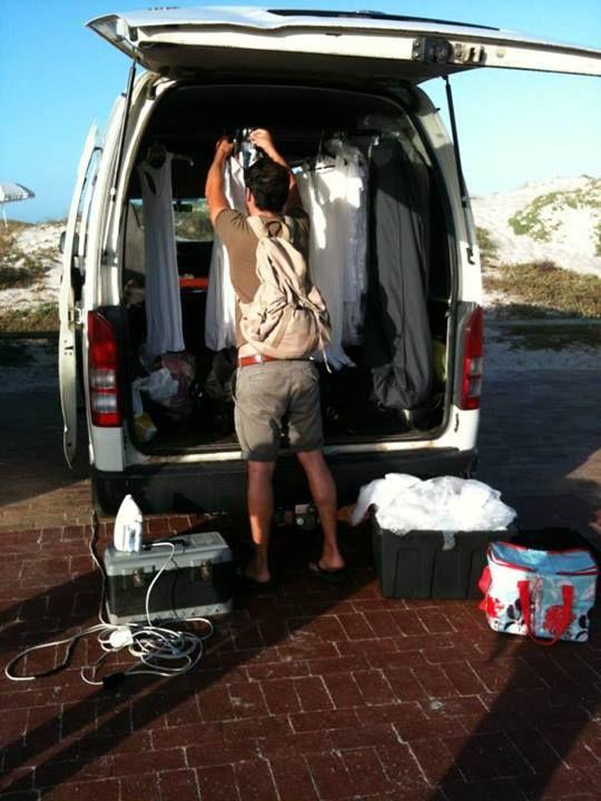 Locationwechsel und neuer Setaufbau an der Küste von Camps Bay. #yvesrocher #shooting #kapstadt