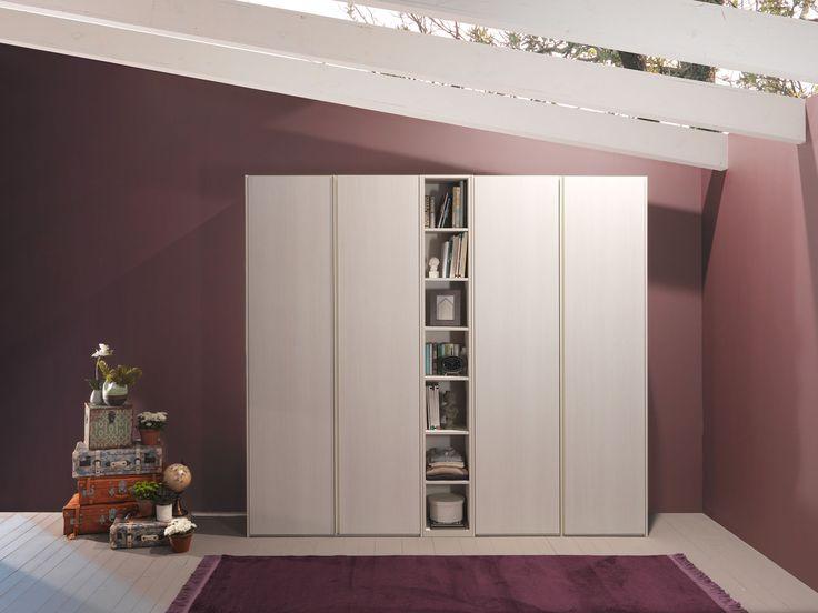Oltre 1000 idee su armadio a specchio su pinterest anta - Cassettiera con specchio ...