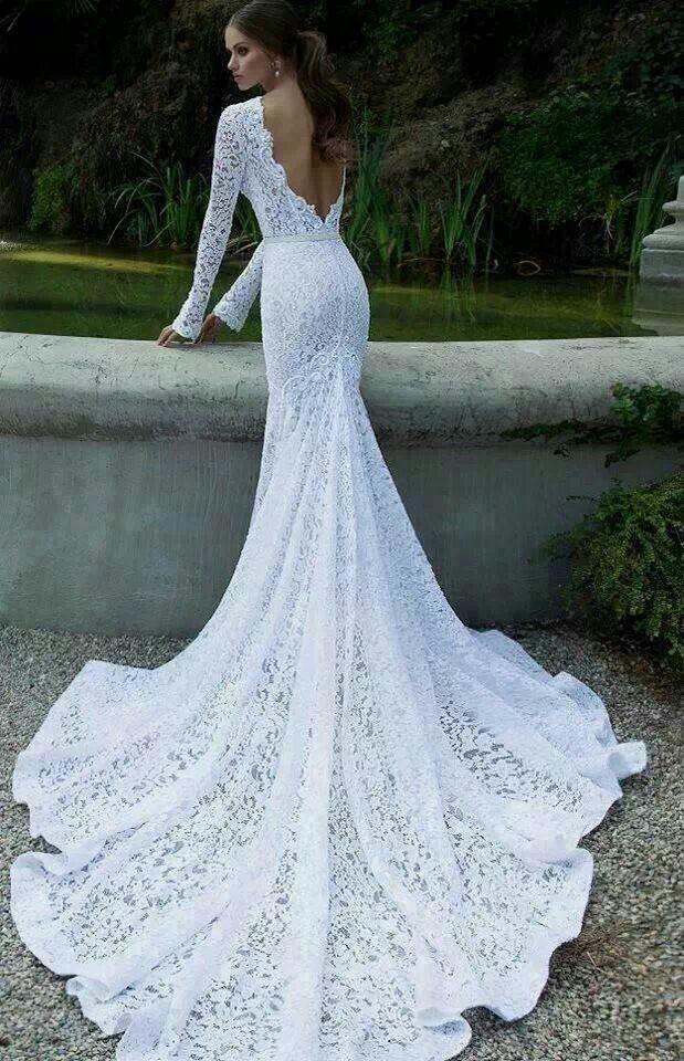 Vintage long sleeved  train, low backed Wedding dress.- LOVEEEEEEEEE